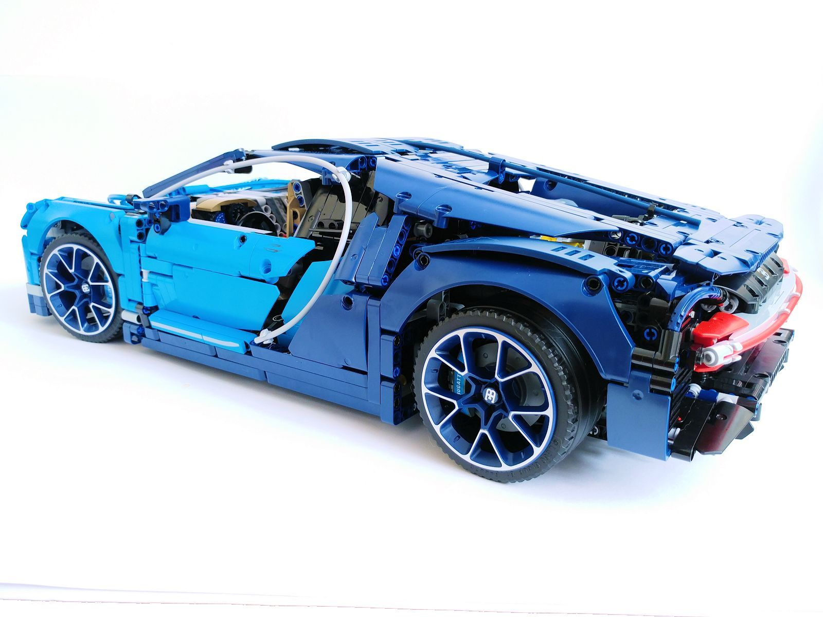 After A Period Of Secrecy And Rumours Lego Technic Set 42083 Bugatti Chiron Was Unveiled On 1st June 2018 At The House With Presences Top