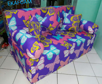 Sofa bed inoac motif kupu-kupu ungu atau purple butterfly