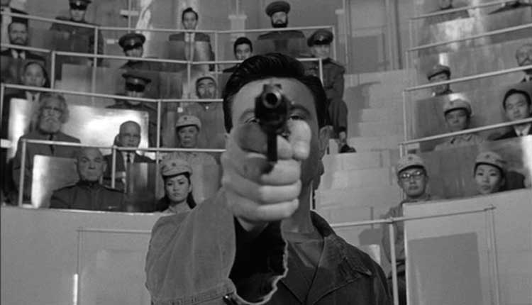 The brainwashing takes charge in The Manchurian Candidate.