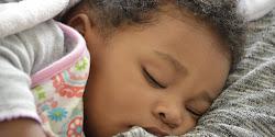 A NATAÇÃO INFANTIL FAZ SUA CRIANÇA DORMIR MELHOR