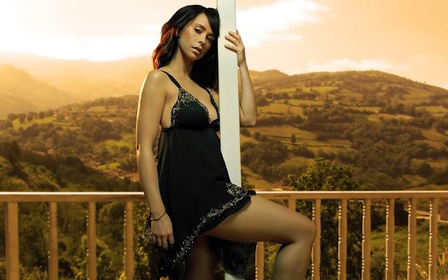 hot-actress-wallpaper-hd-sexy-girls-hq-photos-hot-model-hd-Images-20