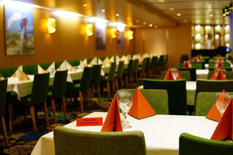 Eckerö_line_juhlapöytä, joulubuffet, jouluristeily, joulu_laivalla