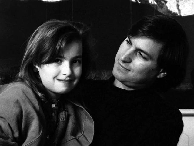 Steve Jobs junto a su hija mayor, Lisa, con quien tuvo una relación difícil.