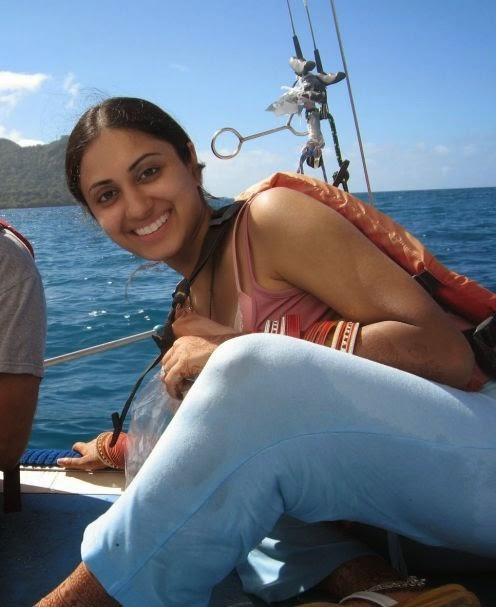 Indian Newly Married Girls On Honeymoon Tour Hot Photos -9895