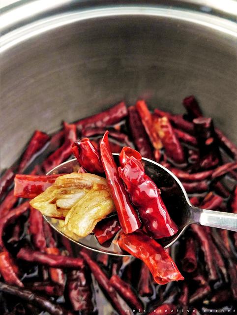 how to make chili garlic oil