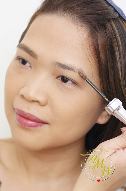 a photo on how to use Benefit 3D BROWTones Brow Enhancer