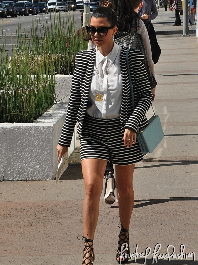 6d3267794a53e8 Daily Celebrity Style: Kourtney Kardashian Wearing Black and White ...