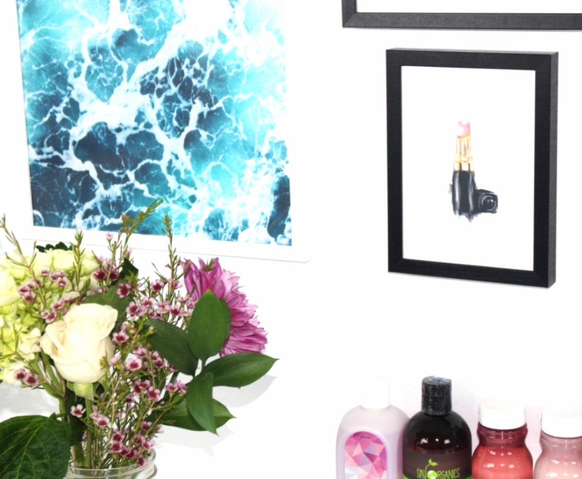 This is a close up of the sea foam and lipstick posters from Desenio.
