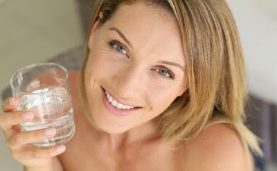 Comment prévenir l'apparition de vergetures sur les seins?
