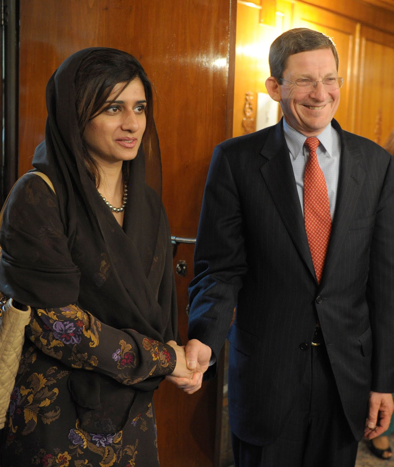 Politician Photos Hina Rabbani Khar HD Photos & Wallpapers