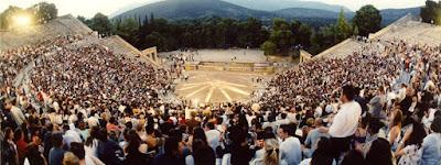 BLOG LUGARES DE MEMÓRIA - Matéria Teatro de Epidauro - Foto Site Festival Athenas Epidauro - Evi Fylaktou - Divulgação