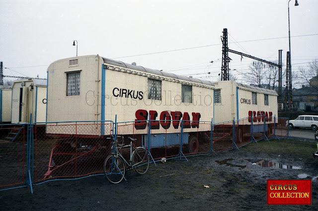 roulottes d'habitation  du cirkus Slovan