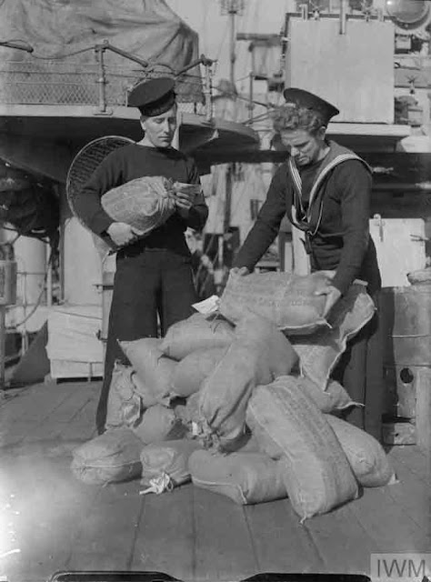 HMS Deptford comfort supplies, 21 October 1941 worldwartwo.filminspector.com