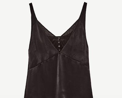 https://www.zara.com/fr/fr/femme/chemises/tout-voir/top-style-lingerie-assorti-c733890p4908659.html#selectedColor=800&origin=shopcart