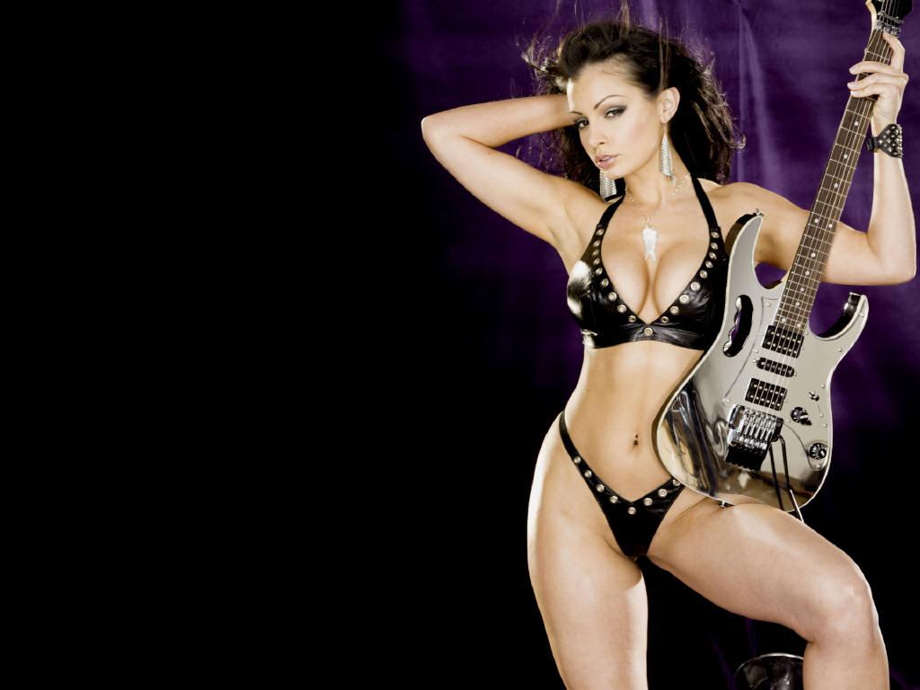 Girl Guitar Nude
