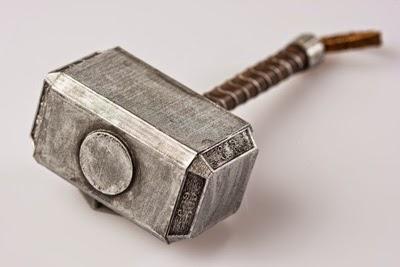 Mjölnir, Thor