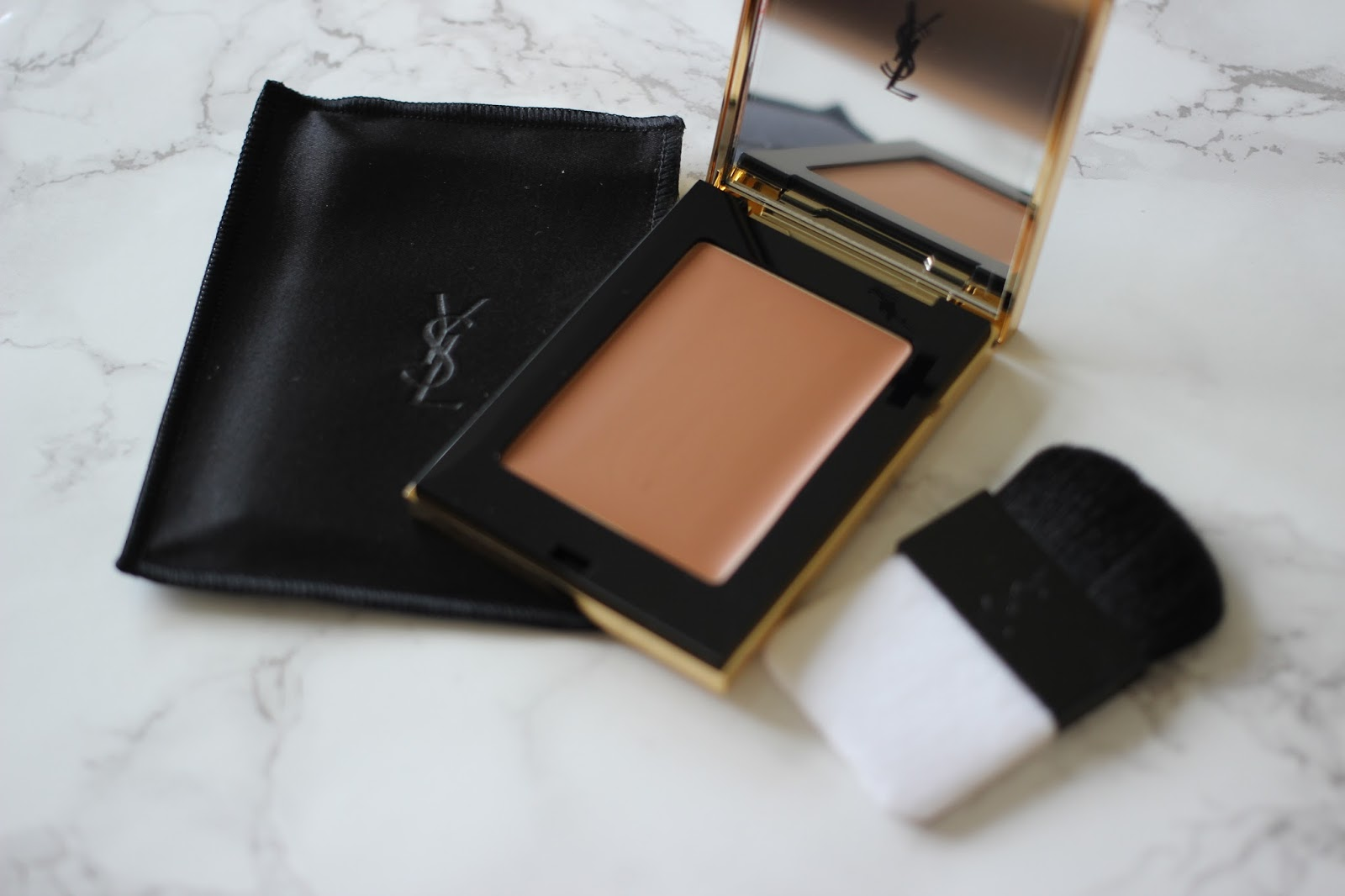 5dce6bc3e9a Review: YSL Les Sahariennes Blur Bronzer - 06 Sienna – Just Lovely ...