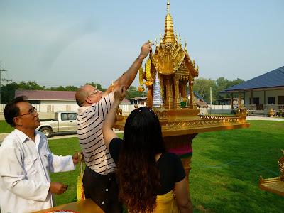 Einweihung Geisterhäuser (San Phra Phum)