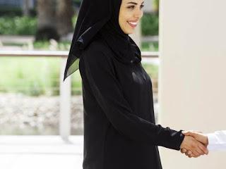 Policy: Muslim Schoolboys Should Refuse Handshakes From Women.