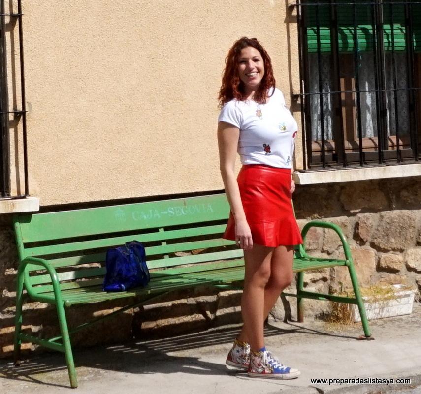 falda volante rojo parches