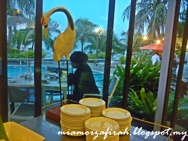 flamingo hotel, tanjung bungah, seafood lovers, cheese lovers, kuih melayu, kuih tempatan, dessert sedap, aneka buahan, buah naga, dragon fruit, jjcm, makan sedap penang, syurga makanan penang, tempat wajib singgah penang, seafood fresh, makanan laut segar, fresh food, makan sedap, makanan best, makan murah, makan berbaloi, buffet penang, buffet murah, tanjung bungah, pantai cantik di penang, cara ke pantai penang, senarai pantai cantik di penang