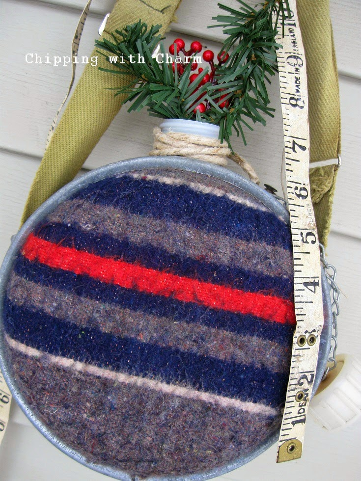Chipping with Charm: Winter Planters, wool canteen door hanger...www.chippingwithcharm.blogspot.com