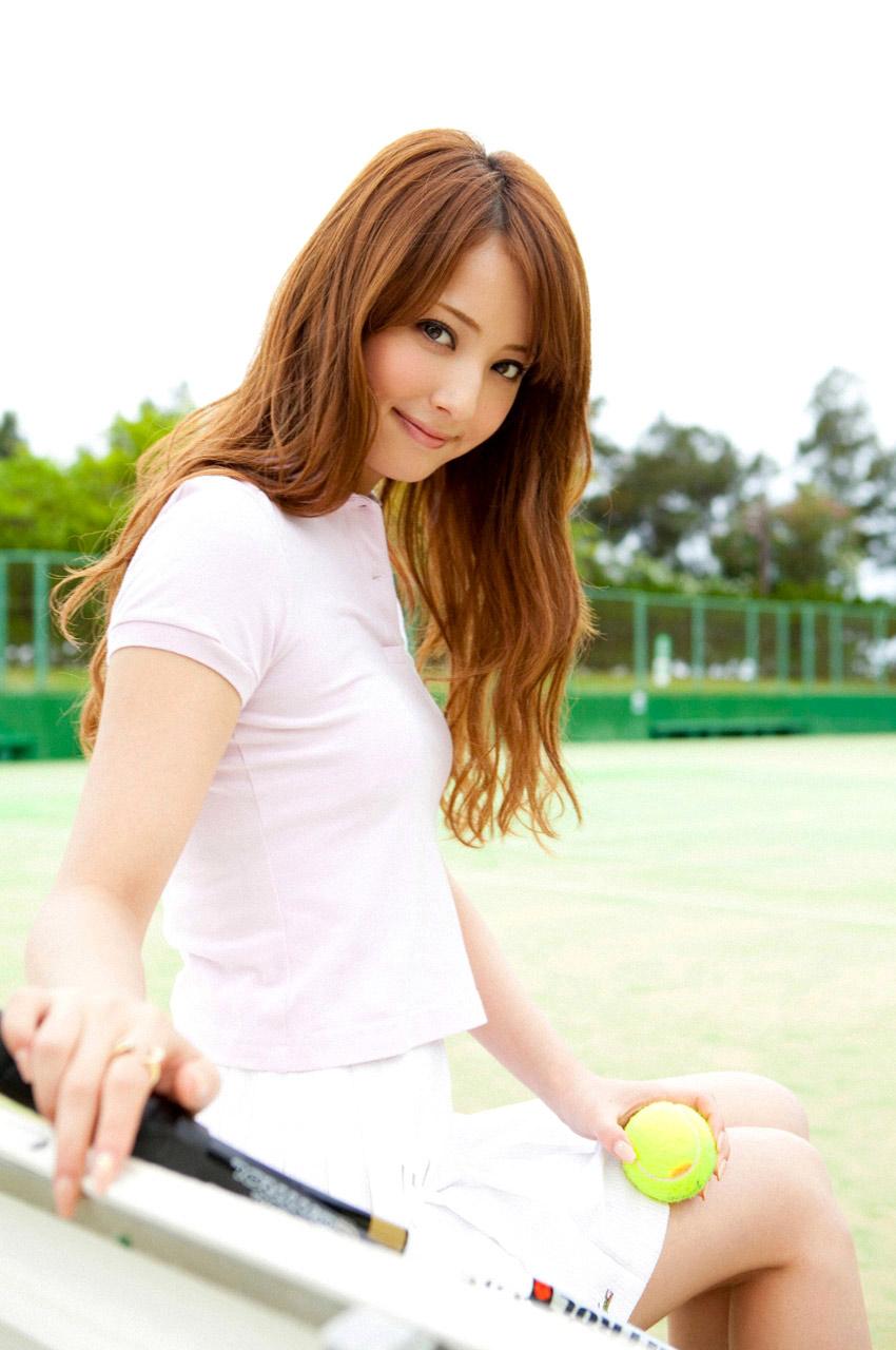 nozomi sasaki sexy playing tennis 02