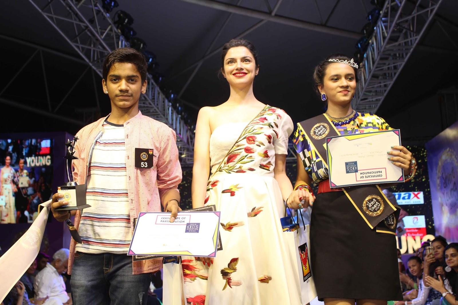 Divya Khosla kumar smile, wife of t series owner, Bhushan kumar wife photos