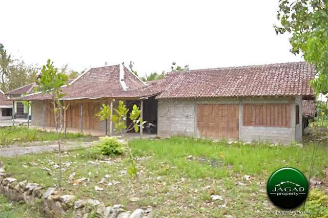 Rumah dengan Tanah Luas di Wonosari