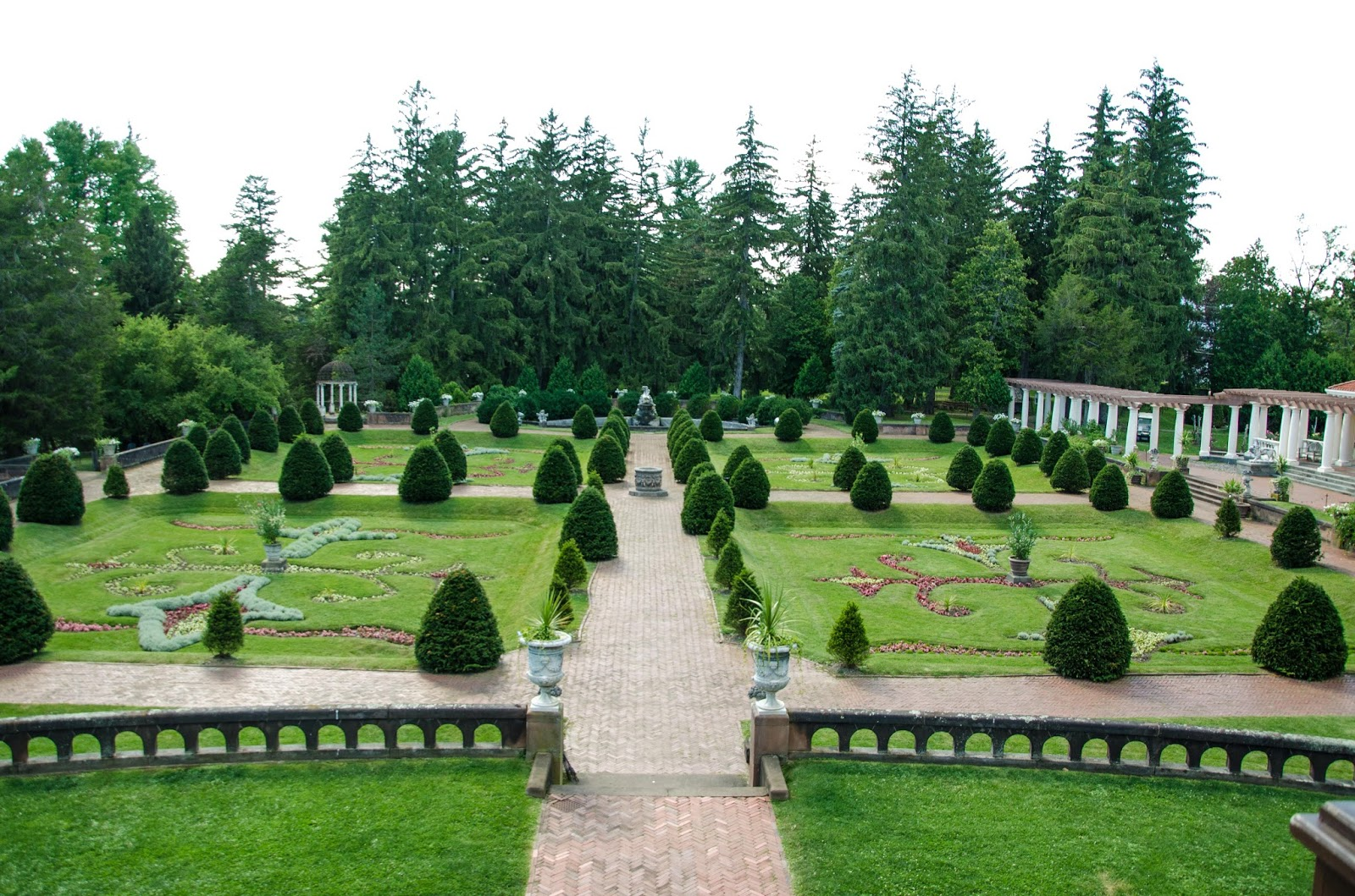 Italian country gardens - One Of The Most Splendid Gardens On The Grounds Is The Italian Garden Walking Through This Garden Is Like Being Transported To A Wonderful Garden In The