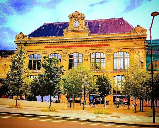 Paris - Travelling Hopper