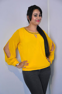 Anchor Ashwini Sharma Stills in Jeans at Love Cheyyala Vadda Movie Audio Launch  0012