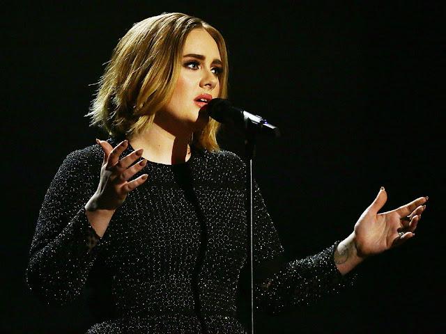 Adele le responde al productor que dijo que ella manipulaba su voz (VIDEO)