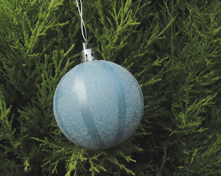 Blue pearl bauble with white glitter segments