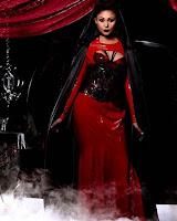 http://www.vampirebeauties.com/2016/05/vampiress-model-ariana-marie.html