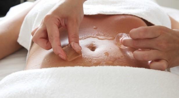 masaż kostką lodu