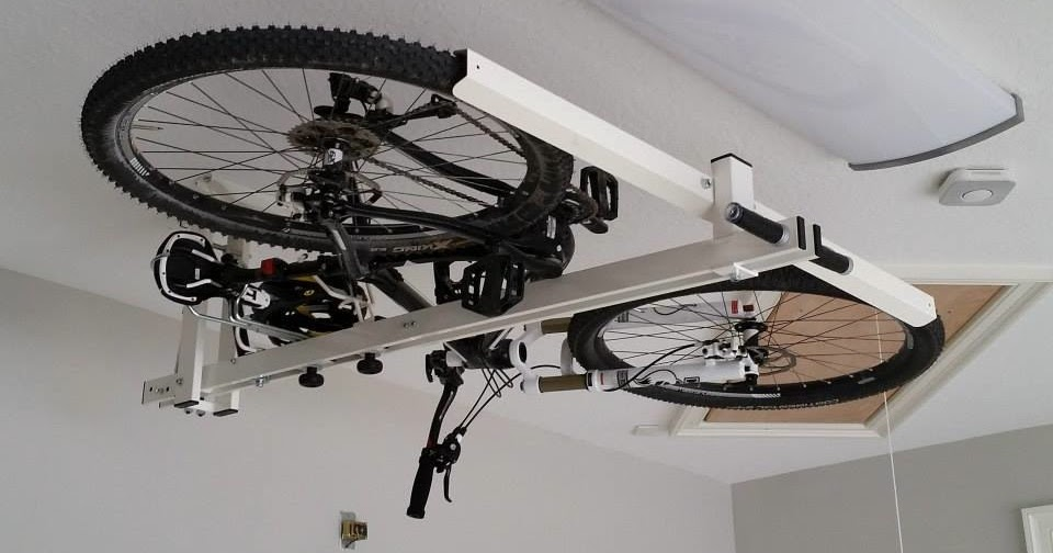 flat bike lift eleva tu bici con un empuj n para. Black Bedroom Furniture Sets. Home Design Ideas