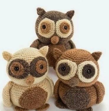 http://santaclaraartesanato.blogspot.com.br/2014/09/corujas-de-croche.html