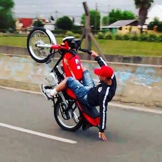 Picadas de motos: locura en dos ruedas