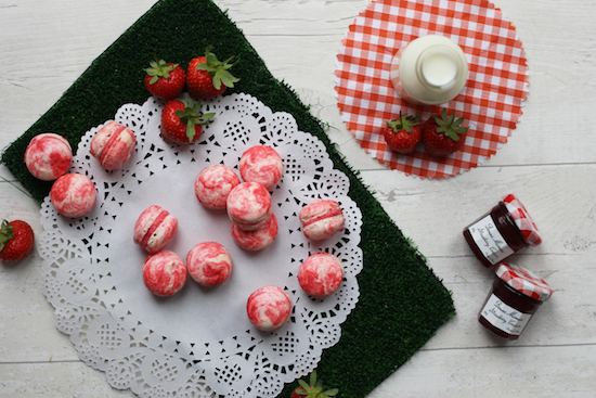 Strawberry and cream macaron recipes