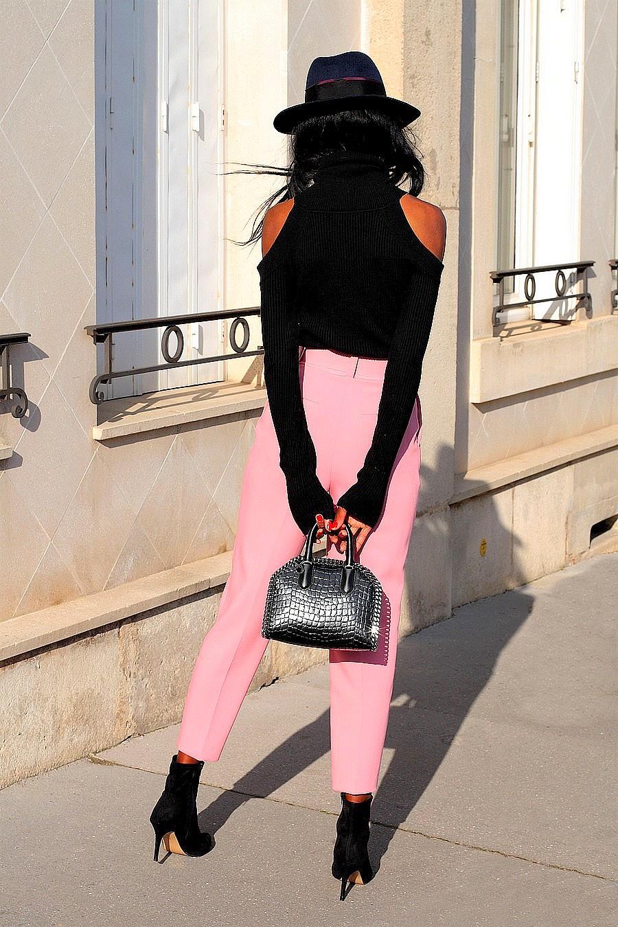 Avec-quoi-porter-pantalon-rose-tendance-printemps-2018