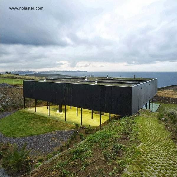 Residencia contemporánea en Loredo, Cantabria, España