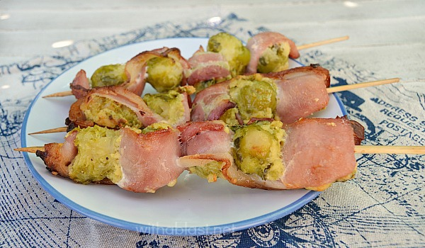Parmesan Bacon Brussels Sprouts ~ Turn your Brussels Sprouts haters into new fans with only 3 extra ingredients ~ These Parmesan Bacon Brussels Sprouts are great as an appetizer or side dish ~ many ways to cook them !