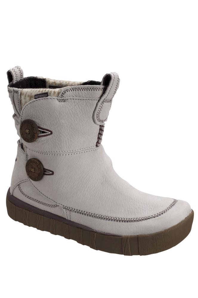 a875d3722d4 Jag gillar dessa vattentäta vinterbootsen från Merrell. Visst är de snygga?  För 1300 kronor får du dem på www.ellos.se eller också söker du på Google  för ...