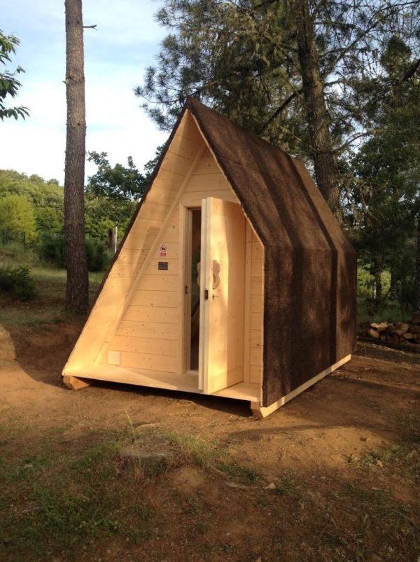 desde el exterior puede apreciarse que es una simple habitacin con una gran ventana que se puede utilizar para la captacin de energa solar pasiva