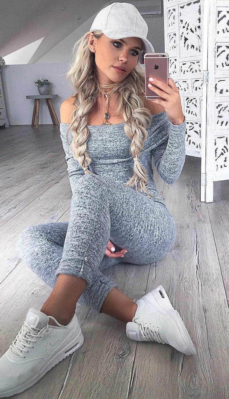 sporty outfit_hat + grey set + sneakers