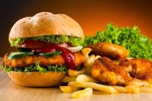 5 Makanan yang Perlu Dihindari saat Berpuasa