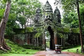 """Itinéraires - pour visiter les sites achéologiques """"Angkor"""""""