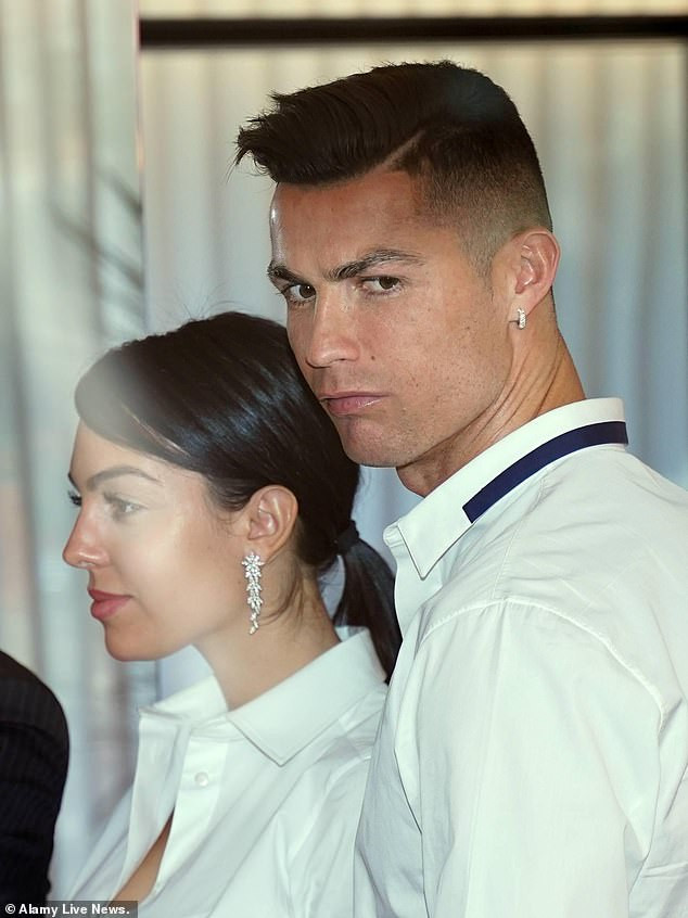 Unmissable pictures of Cristiano Ronaldos girlfriend