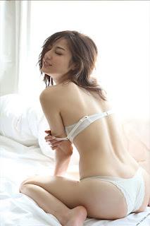 Foto-Model-Sexy-Yumi-Sugimoto-3